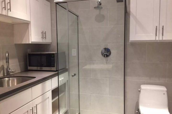 Appartement te huur met wc en douche in keuken