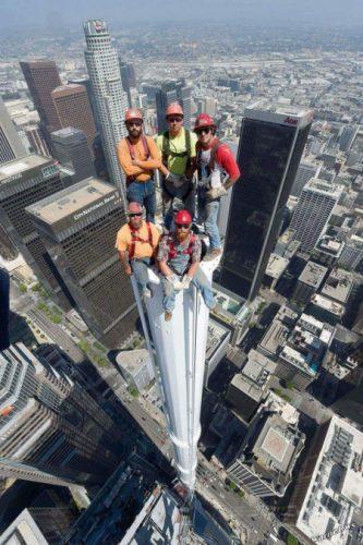 bouwvakkers op de top