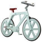 Groene fiets van karton waarop je echt kunt fietsen