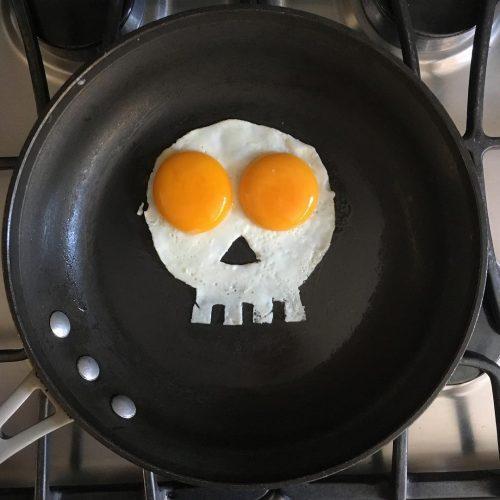 kunst met een gebakken ei