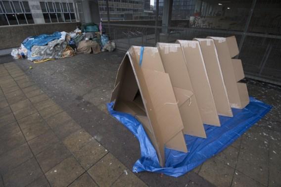 Kartonnen tent voor dakloze Brusselaren