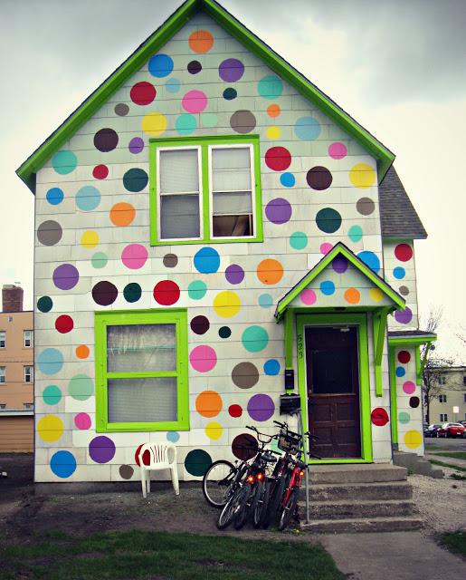 Maak een polkadot huis van je woning: veel vrolijker!