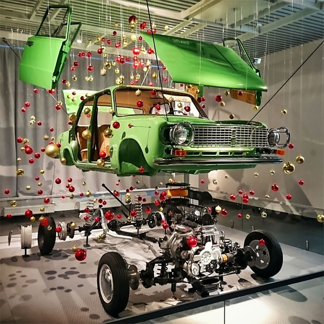 Lada kerstboom in museum
