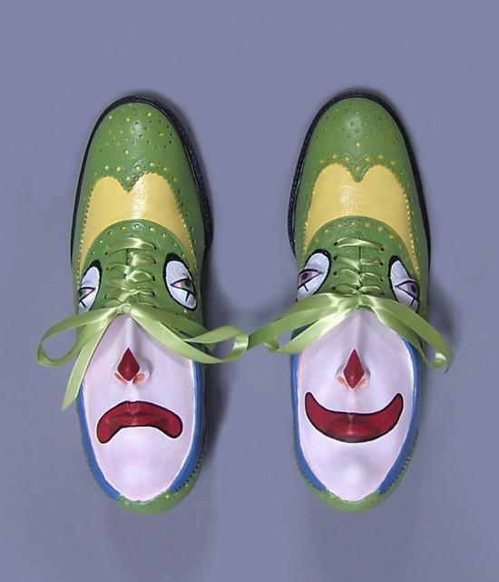 Oude schoenen met  persoonlijkheid