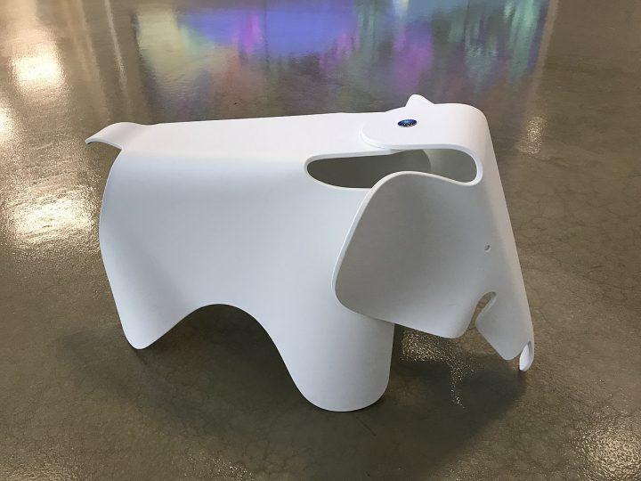 Design olifant van Charles en Ray Eames
