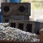 Indiase superbaksteen van afval