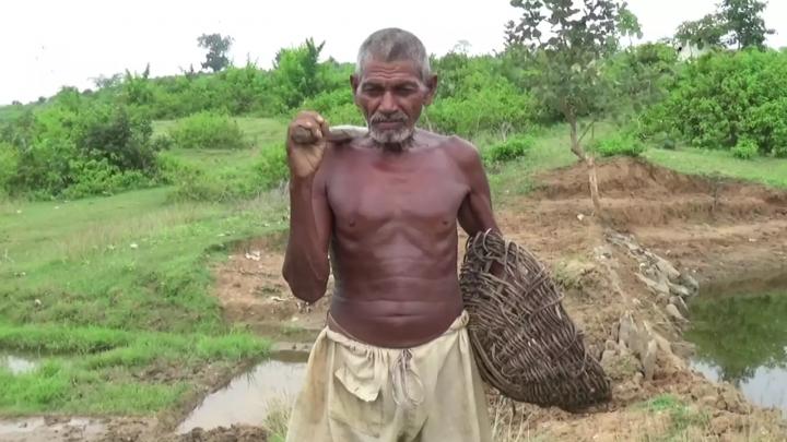 Laungi Bhuiya groef eigenhandig een kanaal van 3 kilometer