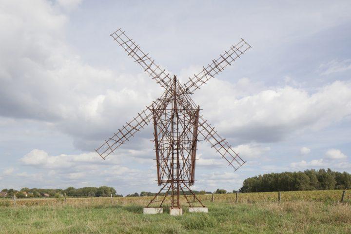 Windmolen uit wapeningsstaal naar voorbeeld Pieter Bruegel