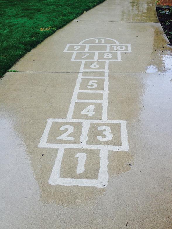 Straatkunst die je alleen ziet als het regent