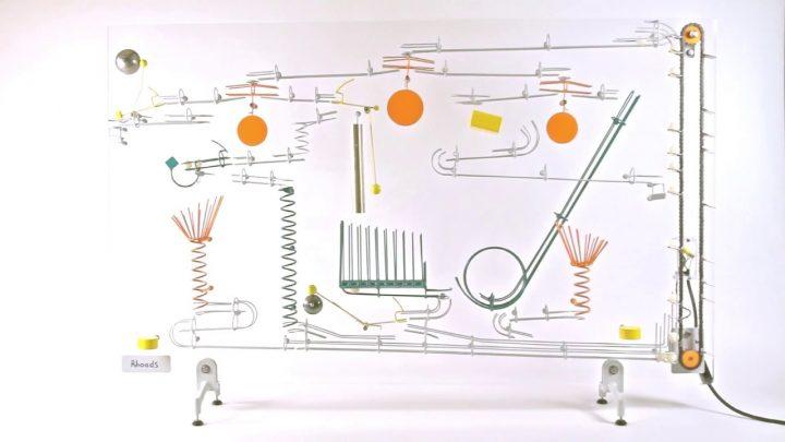 Kinetische kunst met ballen